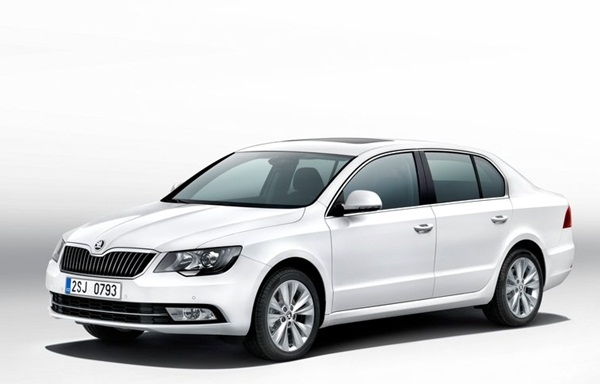 New Skoda Superb Elegance 2.0 TDI CR AT (Diesel)