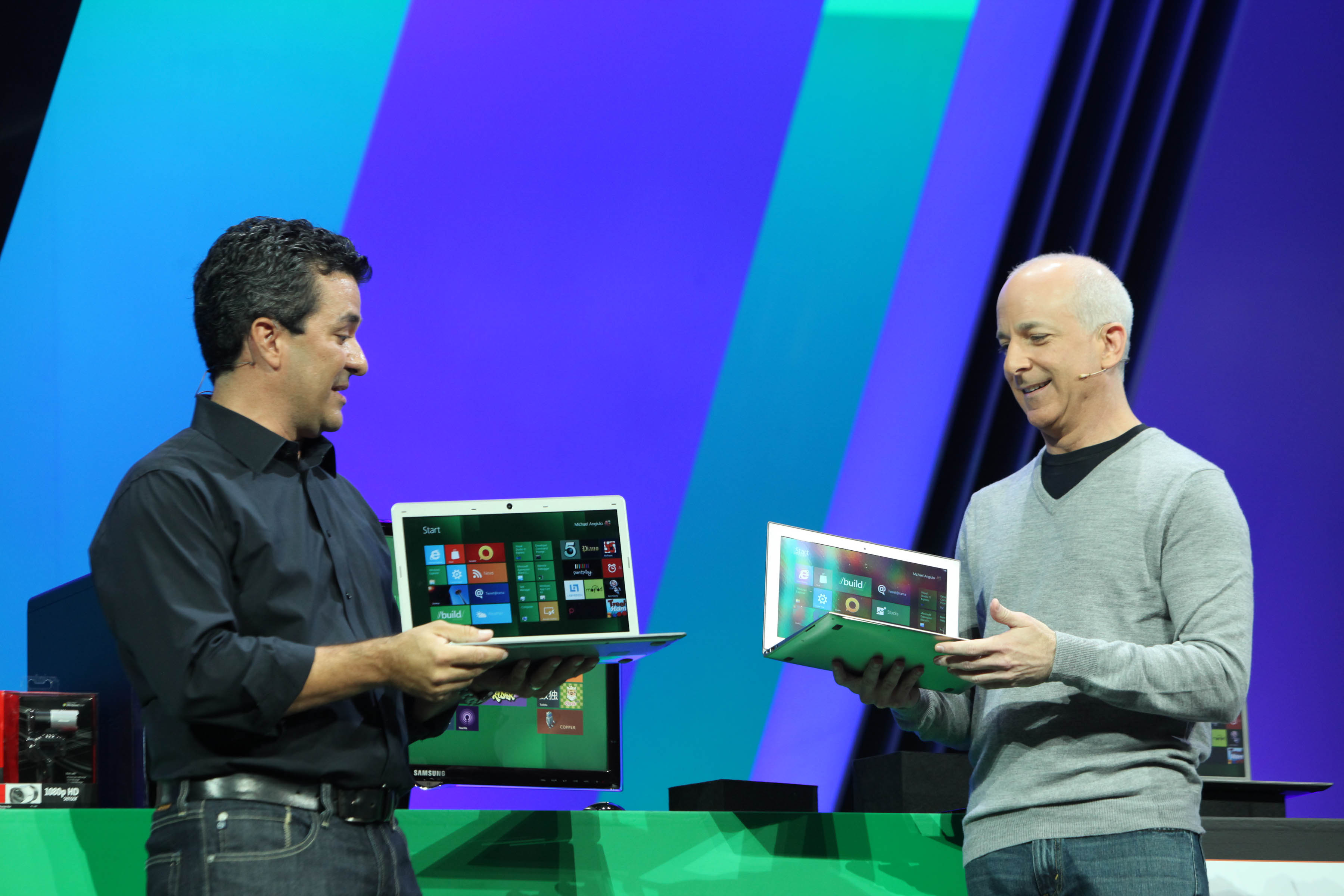 Steven Sinofsky, Microsoft President, revealed Windows 8 debut date at a company's annual sales meeting.