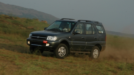 Tata Safari 2WD LX DICOR BS-III (Diesel)