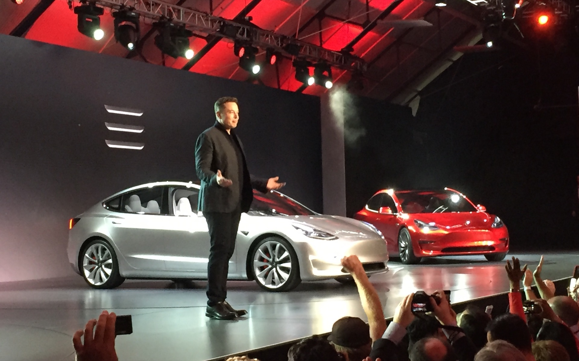 TESLA'S MODEL 3 LAUNCHED WITHOUT A KEY – ELON MUSK PRODUCT