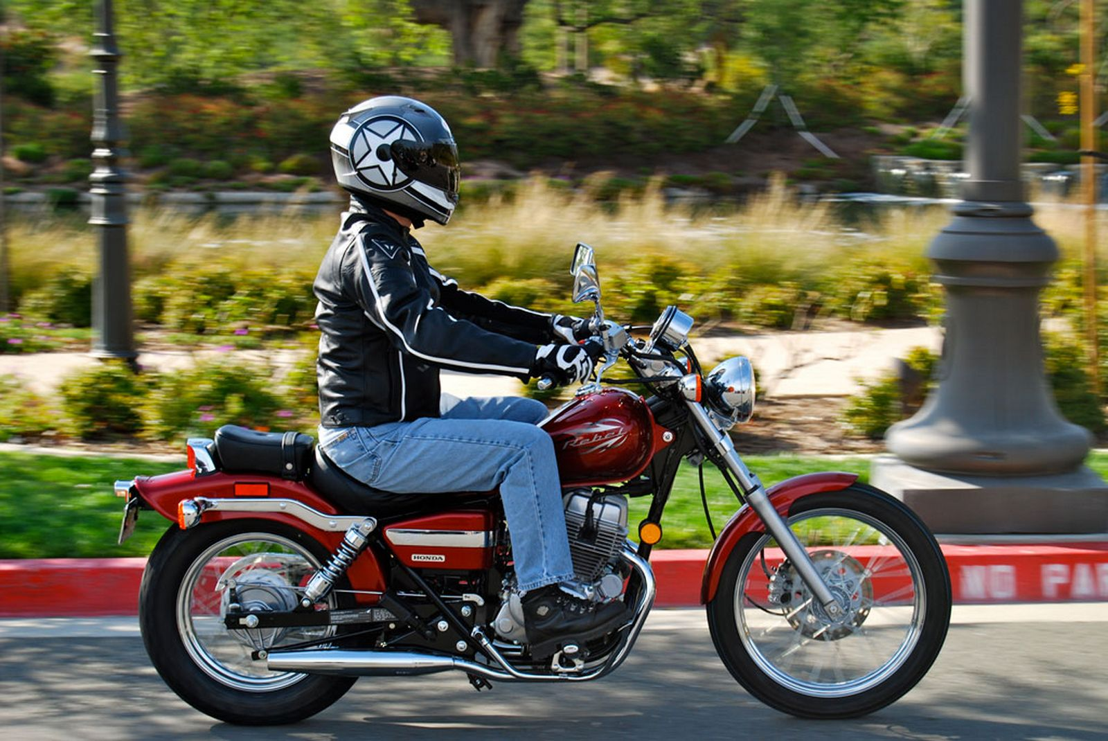 IMPORTANCE OF MOTORCYCLE INSURANCE – TIPS TO STAY SAFE ON THE ROAD