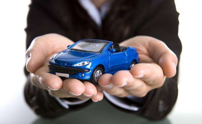 THE RIGHT TIME TO BUY A NEW CAR? EXPERTS MONEY SAVING TIPS