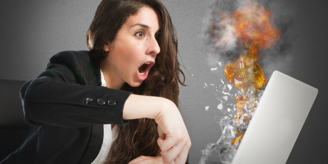 DO YOU KNOW HOW TO PREVENT YOUR LAPTOP FROM OVERHEATING? LAPTOP OVERHEATING CAN BE DISASTROUS!