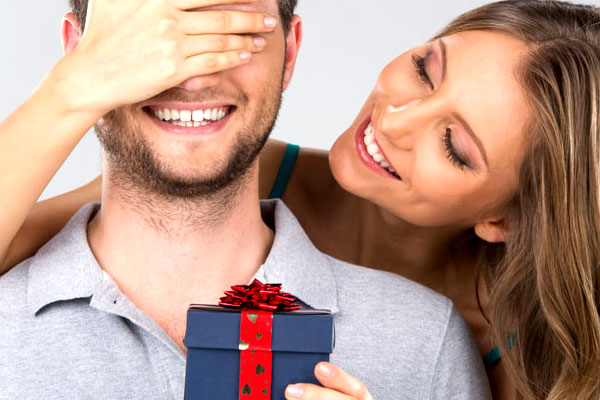 Gift ideas to surprise your partner this New Year season – Romantic couple things